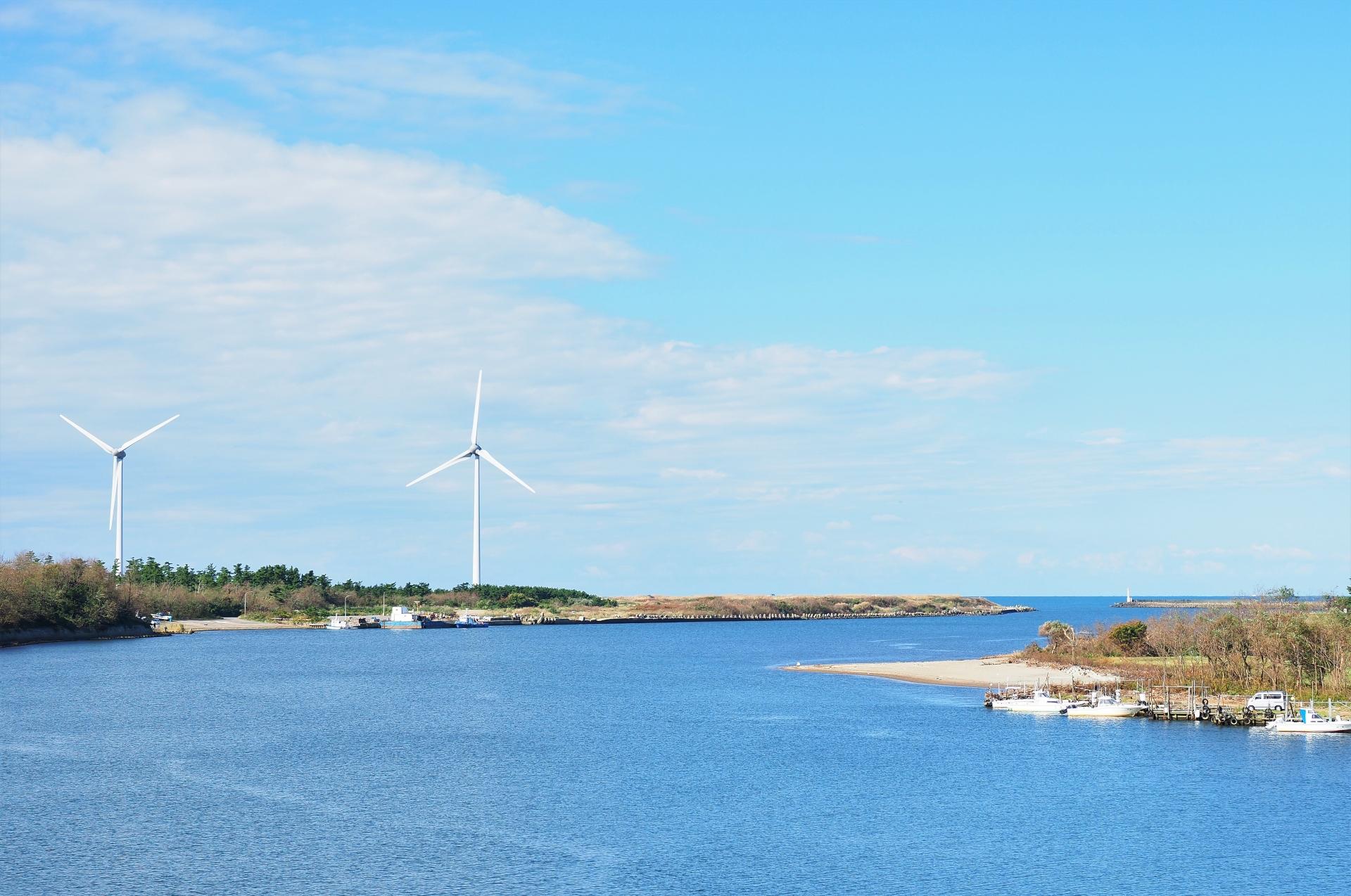 子吉川と由利本荘海岸風力発電所