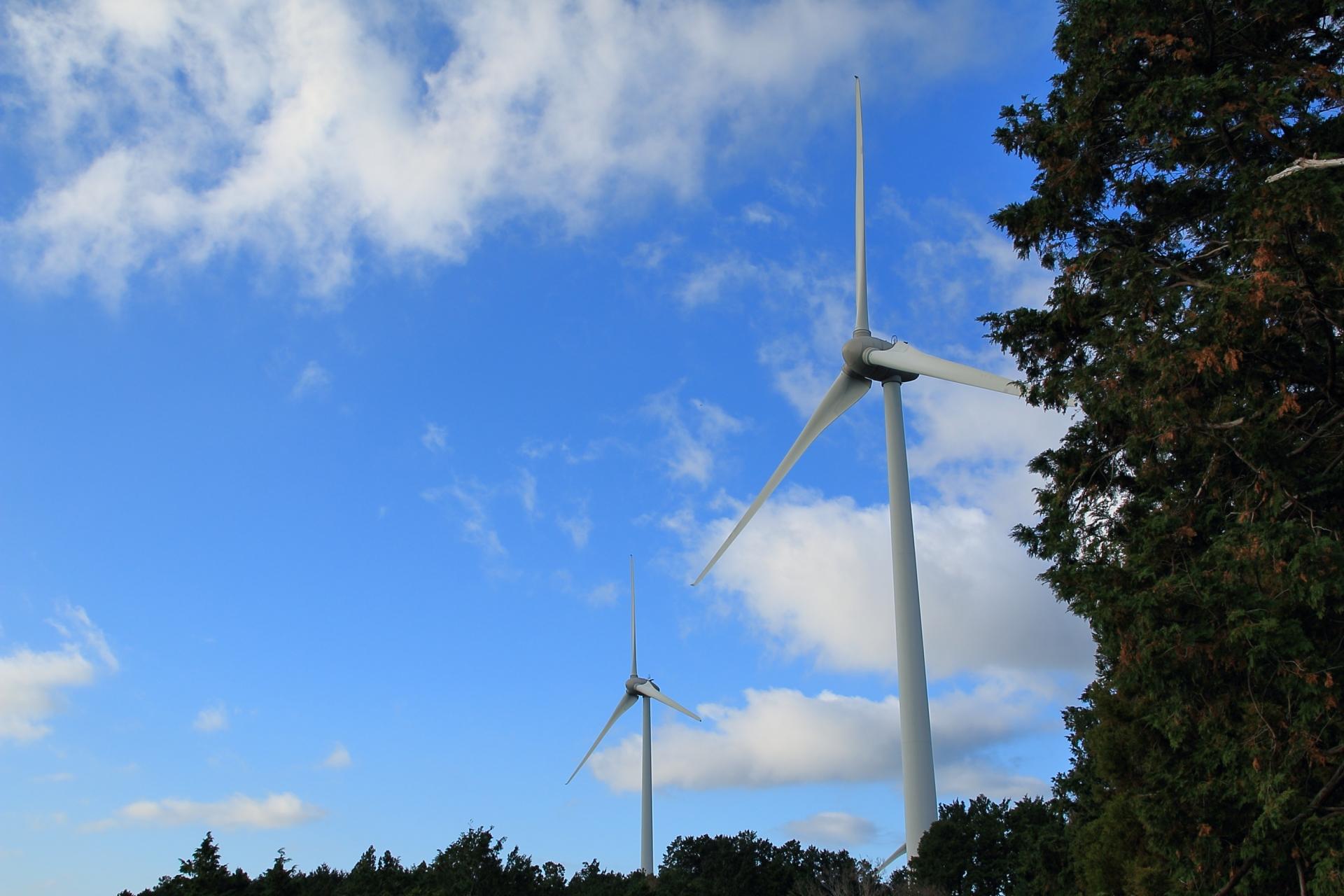 滝沢展望台から見える浜松風力発電所の風車
