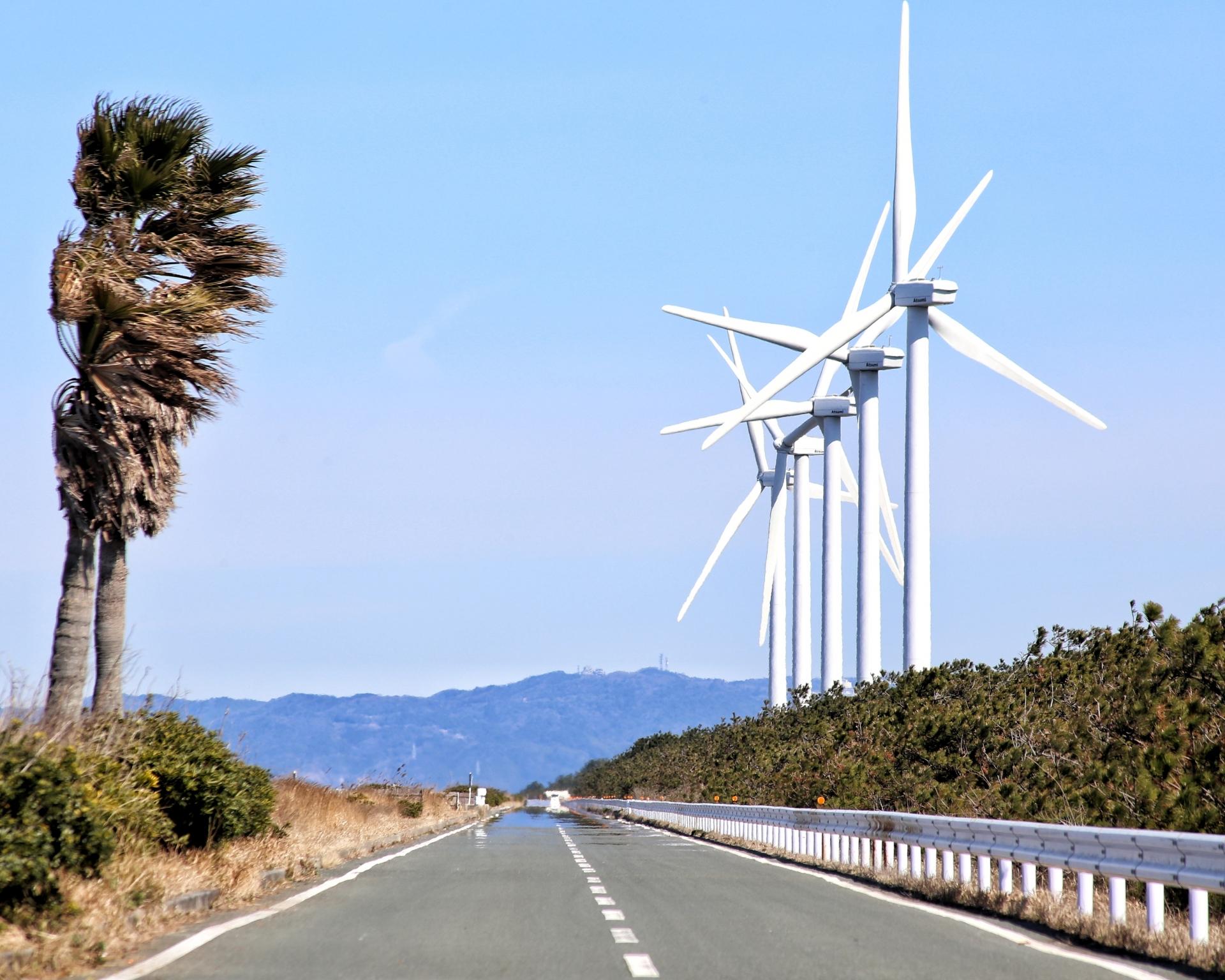 西ノ浜海岸沿いの渥美風力発電所