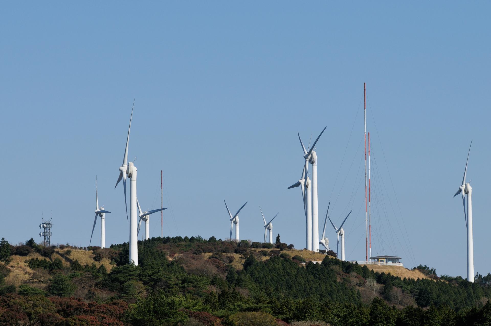 青山高原風力発電所のラガウェイ社製風車