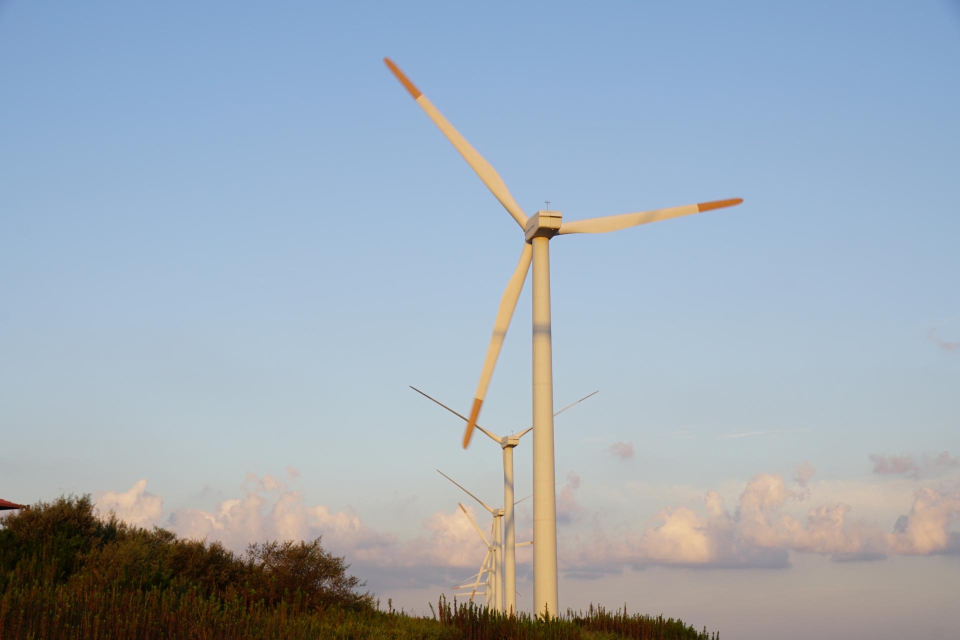 響灘風力発電所の風車