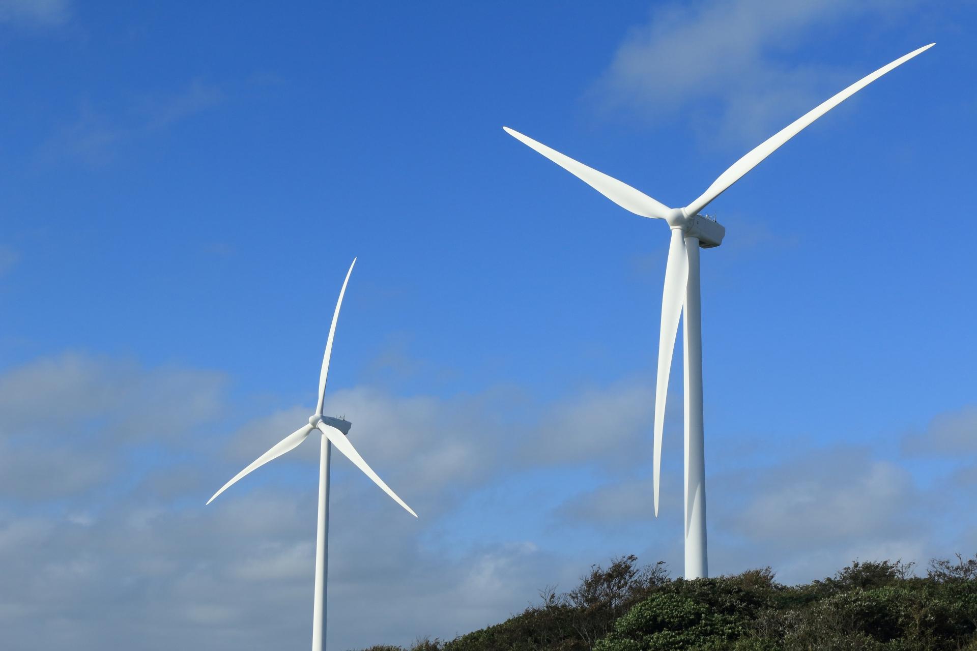 磐田ウィンドファームの風車(天竜川河口)